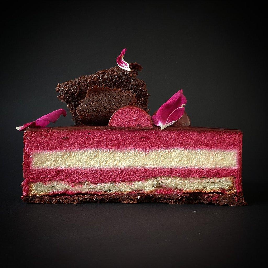 taart met rode bieten en ricotta