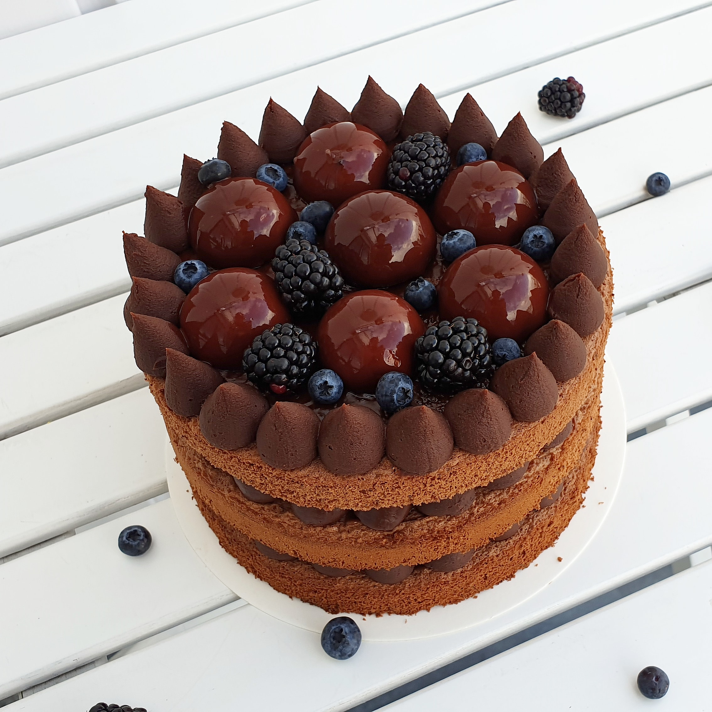 chocolate naked cake with blackberries
